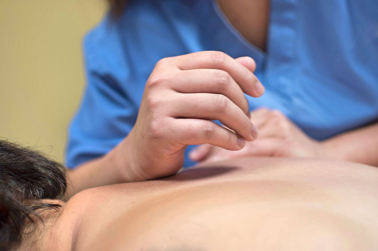 Health Benefits of Swedish Massage, Deep Tissue Massage, and Hot Stone Massage