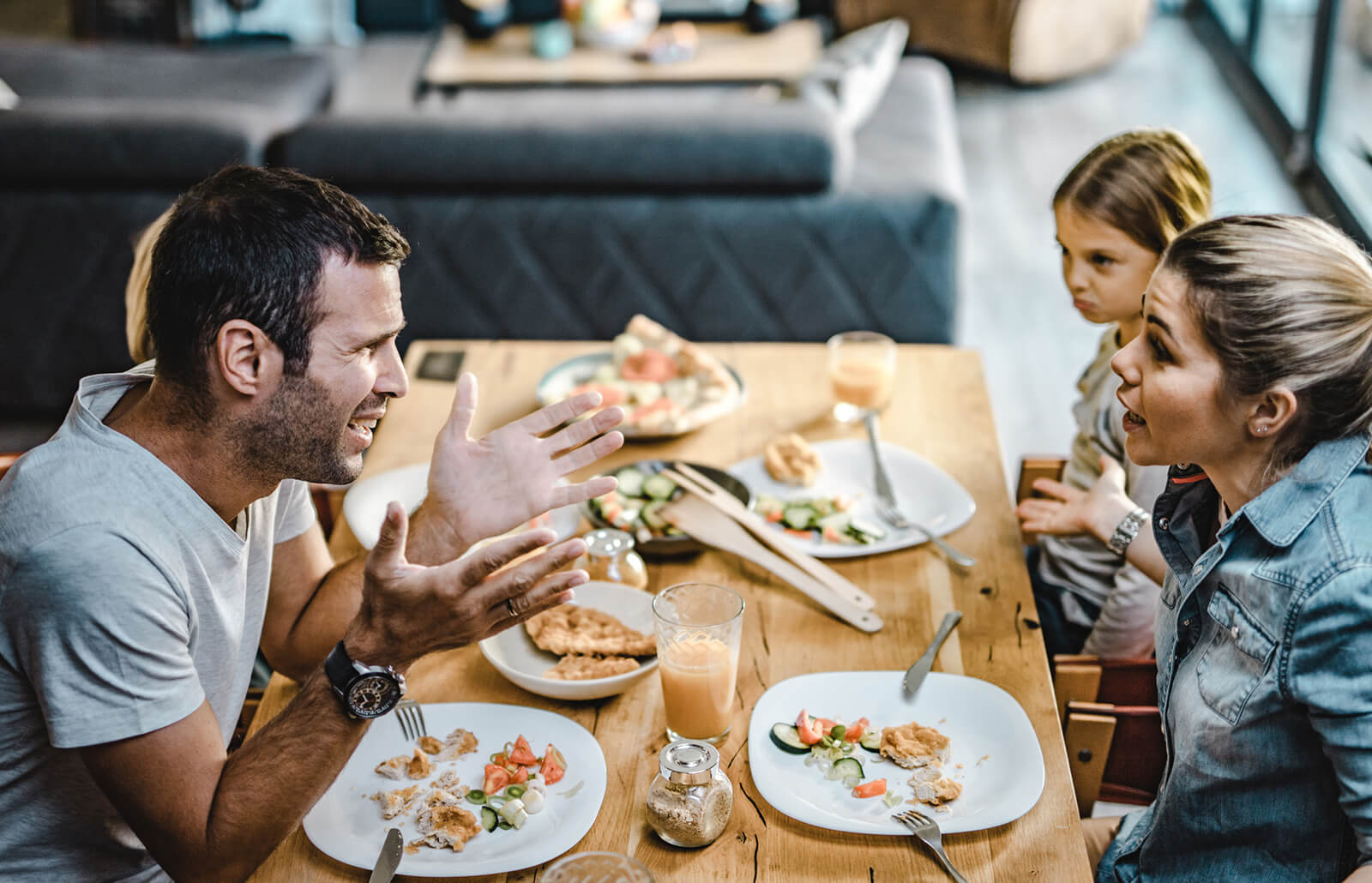 9 Signs Of A Toxic Family And Solutions For Healing